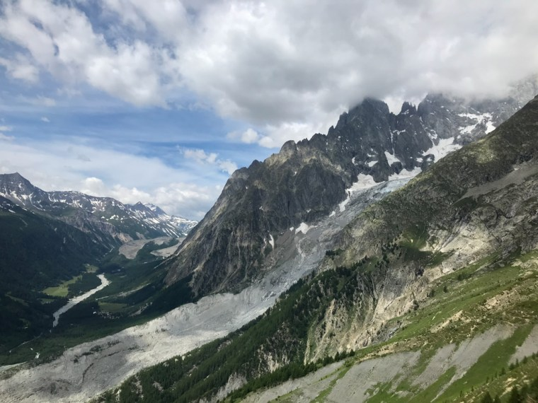 Astounding views of Courmayeur valley