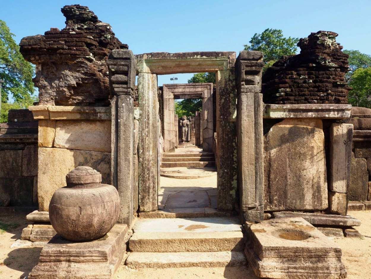 polonnaruwa travel guide