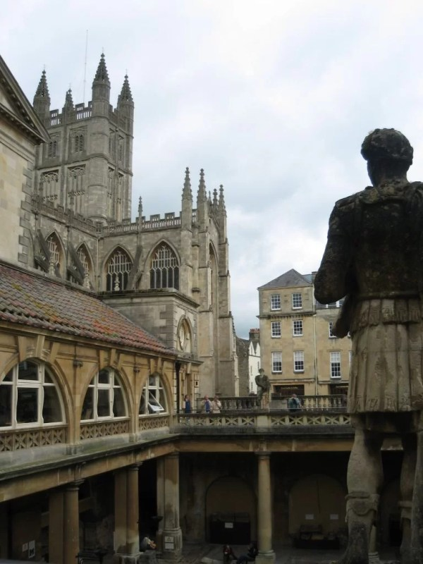 Bath statue on terrace