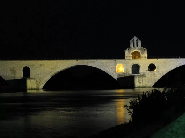 Saint-Bénézet Bridge at night