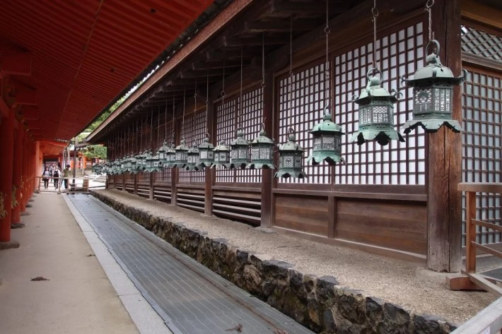 Kasuga Grand Shrine lanterns, nara park