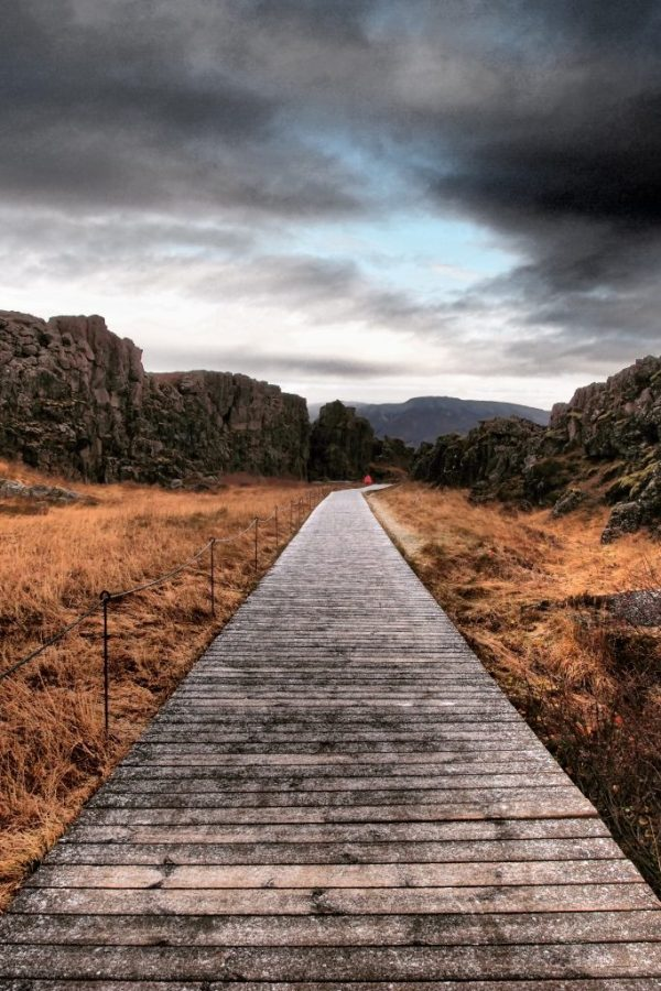 Wooden boardwalk, Thingvellir