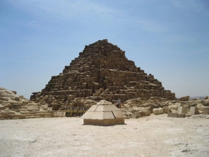 satellite pyramid of Khufu