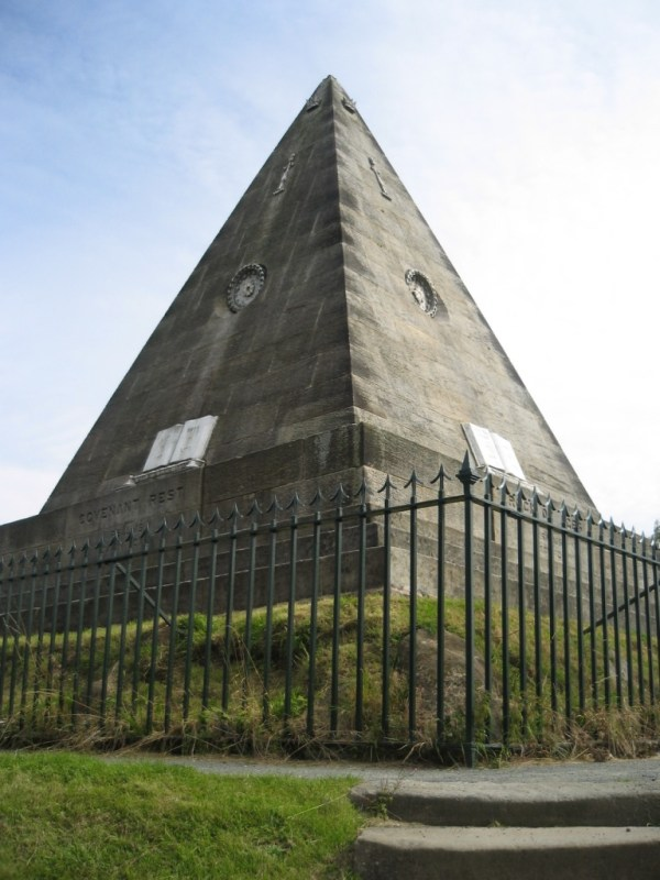 Star Pyramid, Old Town Cemetery, Stirling