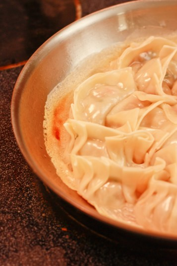 The edges of the crust have peeled away nicely, which means that the potstickers can be removed easily