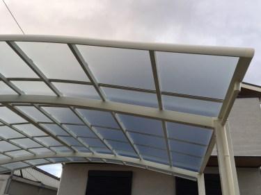 カーポートの屋根の張り替えのやり方と見極め方と費用の相場