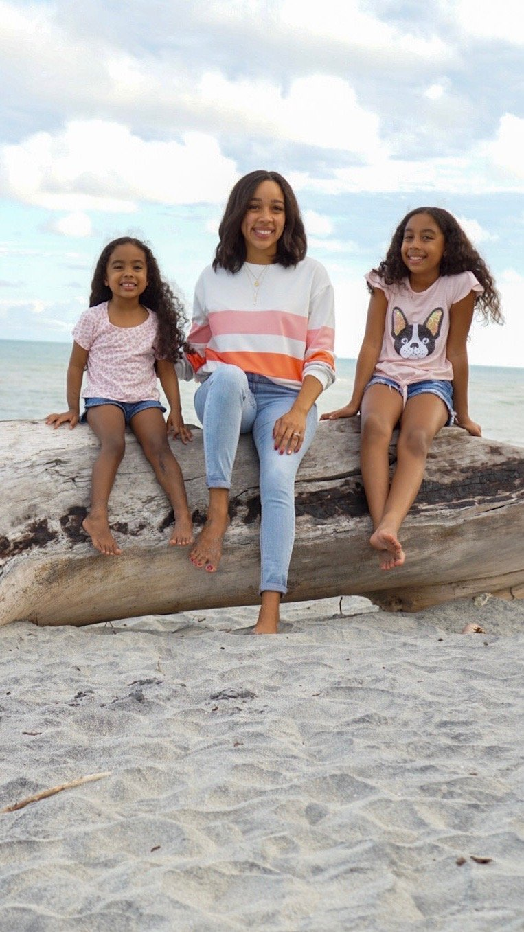 latina health, latina, infertility, family at the beach, mom and daughters, mom and daughters at the beach, beach, ocean,