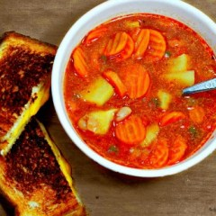 The Easiest Vegetable Soup