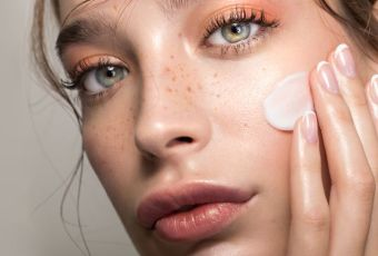 How to Switch Your Skincare Routine to All-Natural and Organic Products