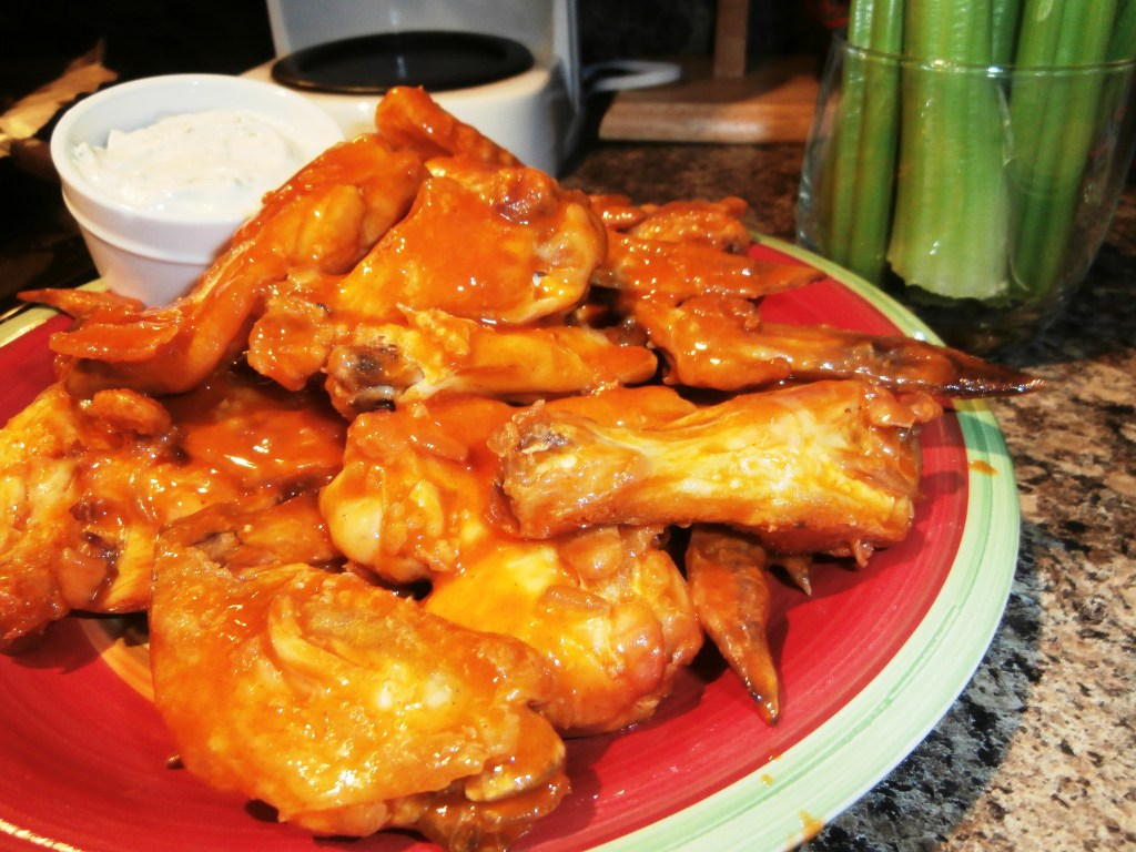 Baked Wings with Low-Fat/Low-Cal Ranch Dip