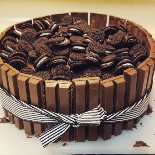 KitKat & Oreo Cake