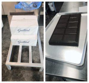 Large chocolate bars for the chocolate conveyor belt