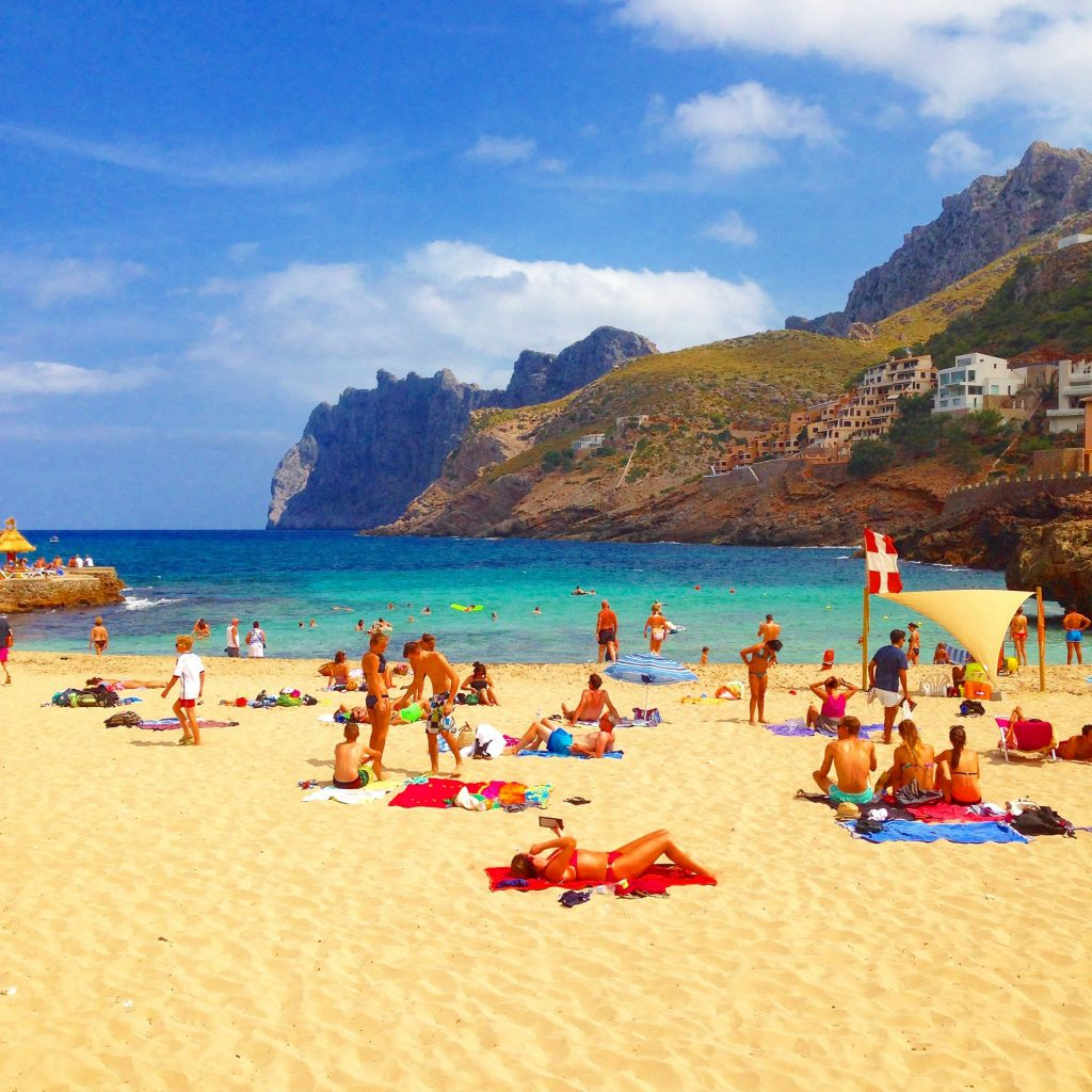 Family travel: Holidays in Mallorca with a baby: holiday tips
