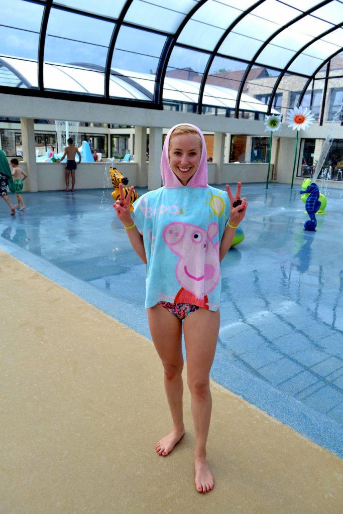 la croix du vieux pont - swimming pool splash park - me Peppa pig towel