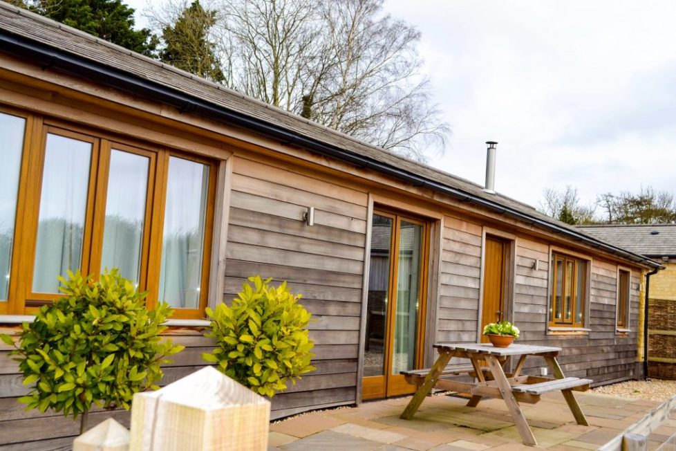 Cotswolds Review - Grove Barn & Lodge, Corsham, country barn for group to rent near Bath