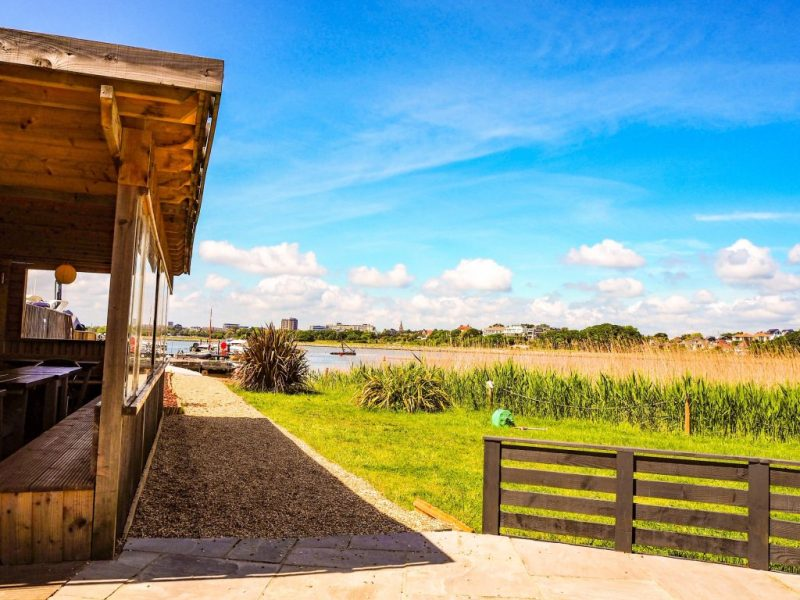 places to eat in Poole  - Family-friendly restaurants with sea views near Poole_South Deep Cafe