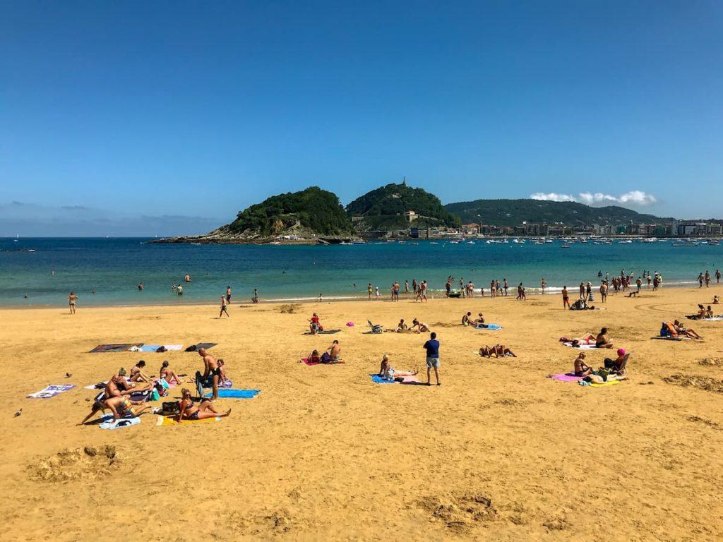 Playa de Ondarreta, san sebastian spain