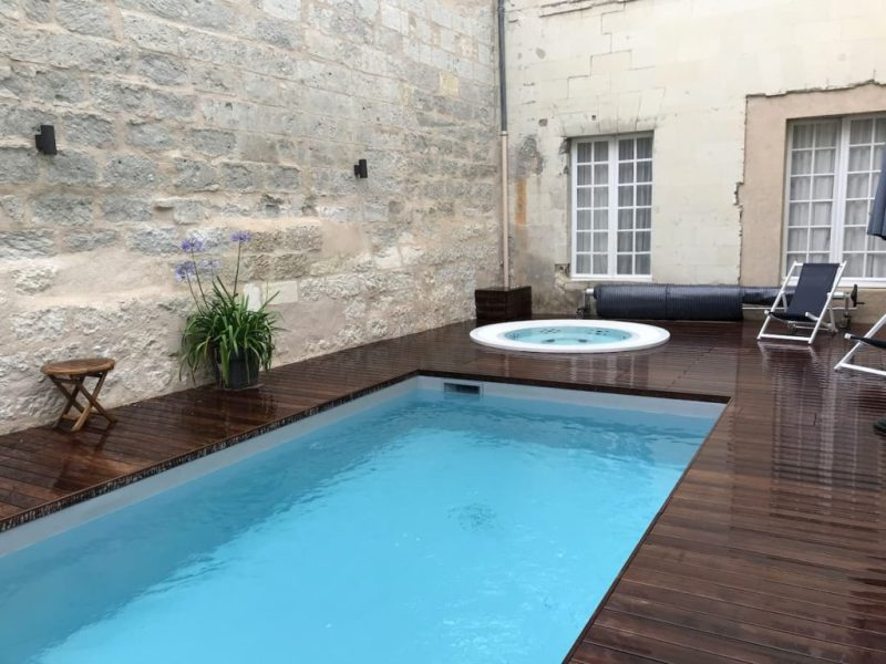 Swimming pool and hot tub Hotel Anne d'Anjou Saumur