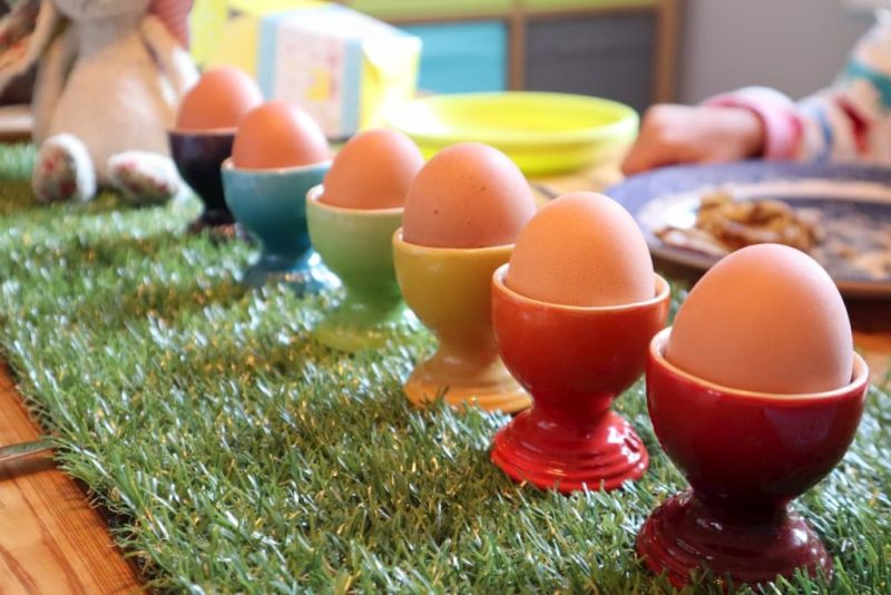 Easter egg cups