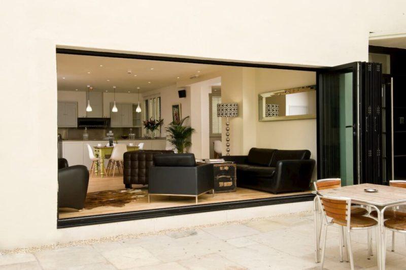 Brooks Guest House lounge, Bristol hotel
