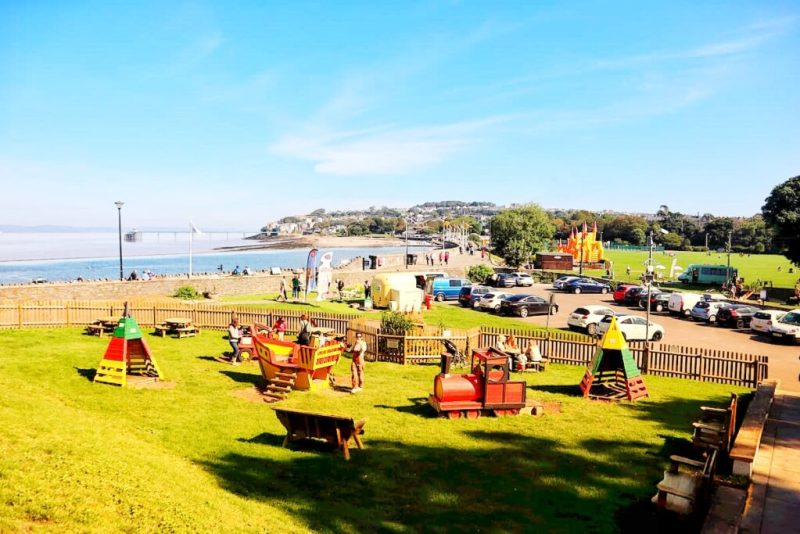 Family-friendly pubs with playgrounds - salthouse clevedon