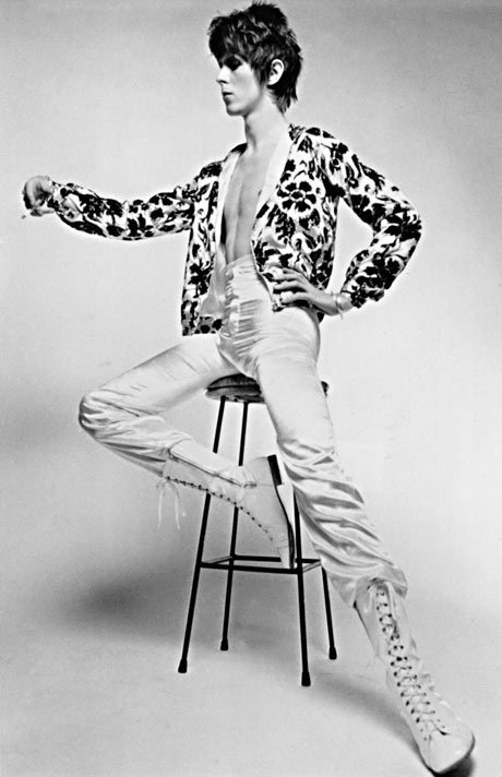 Pre Ziggy (but only just). Look at that perfect hairstyle - unisex and timeless.