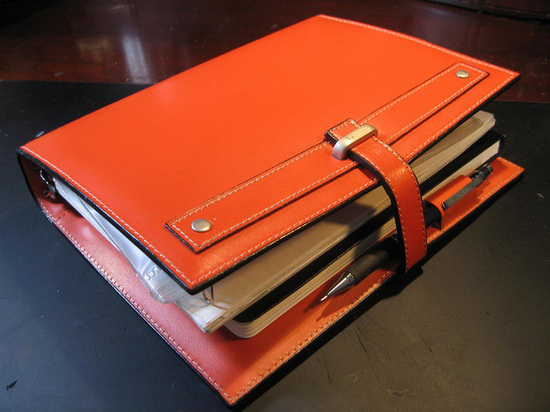 There is a very Hermés vibe about this beautiful binder.