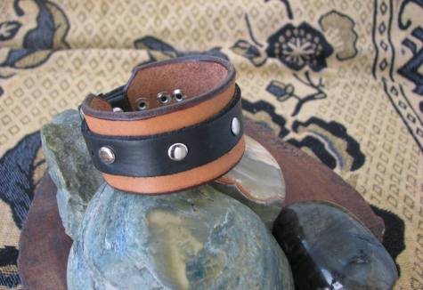 The black section is of recycled leather. Isn't that gorgeous?