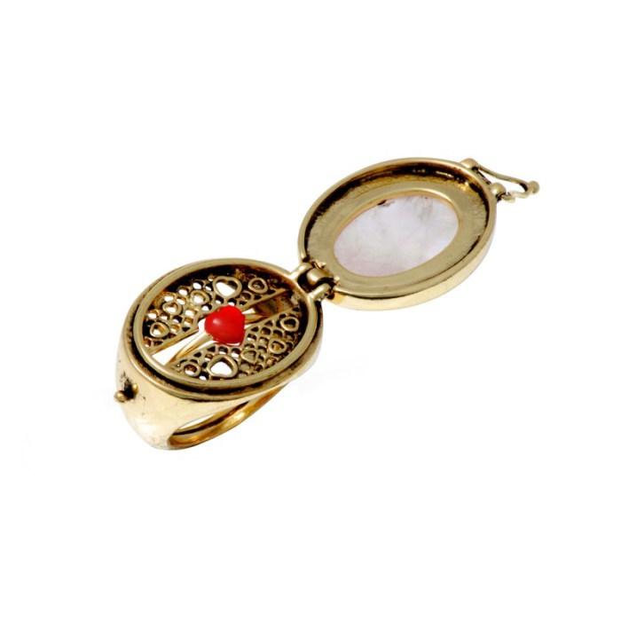 beau-brut-et-brillant-secret-ring-11