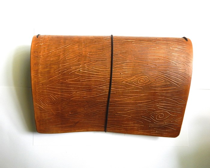 wide wood grain tn 2
