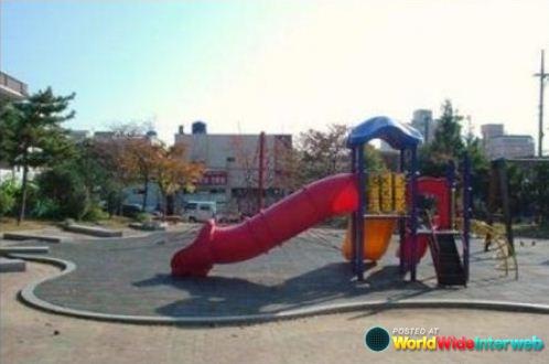 wtf_epic_playground_fail_20120427_1065317927