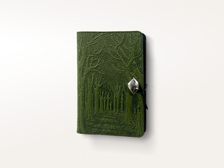 journals-leather-moleskine-cover-avenue-of-trees-1_6fce19d6-6305-494b-afad-e7e3c250711b