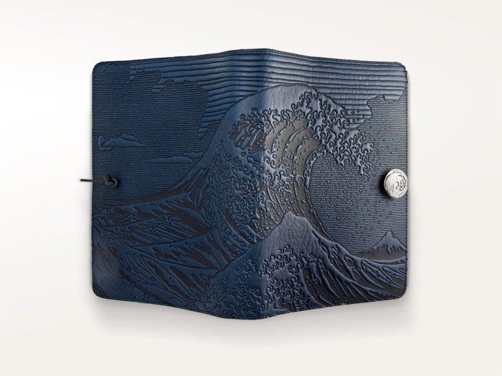 journals-oberon-refillable-leather-journal-hokusai-wave-navy-1