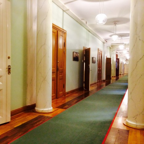 Waited a few minutes for my next client but I love this corridor