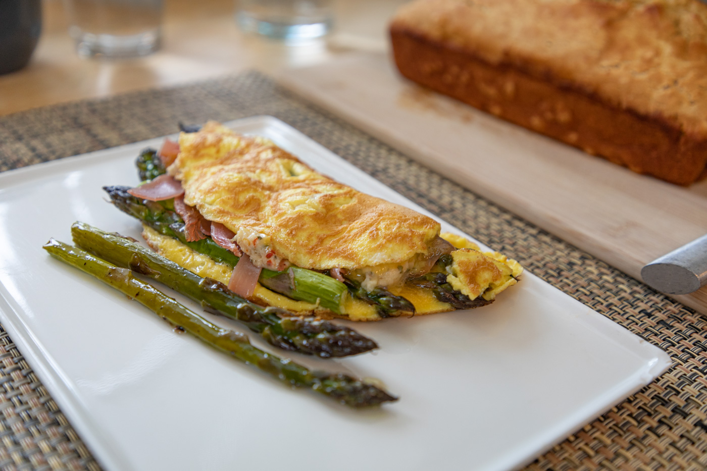 Asparagus and Prosciutto Omelet