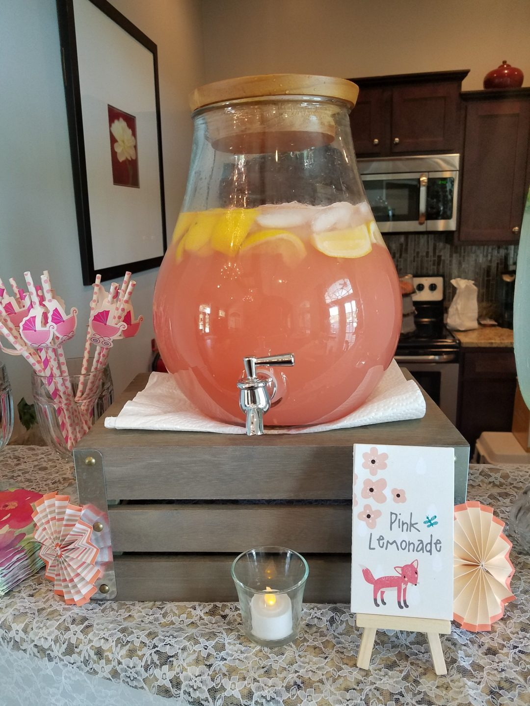 Baby shower drinks and sign