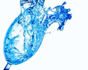 splash-in-glass-1417704-m