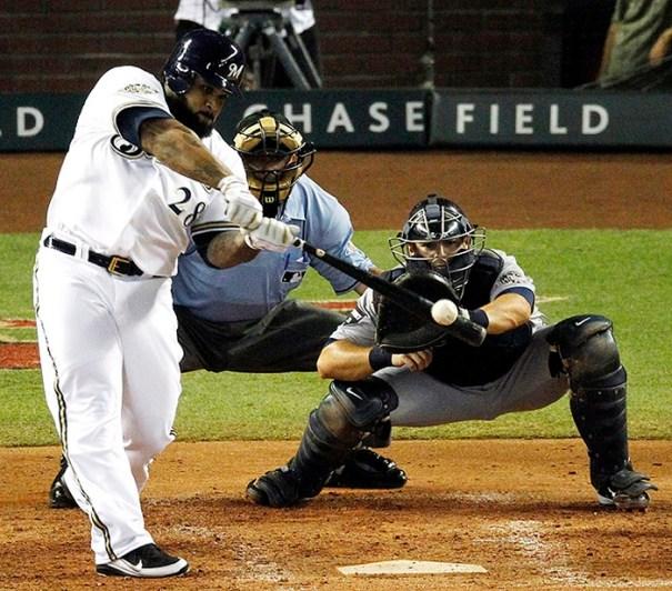 baseball-hit-httpblog-seattletimes-nwsource-com-mariners-fielder
