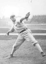 Frank Smithof theChicago White Soxthrows his second careerno-hitterfor a 1 – 0 victory over thePhiladelphia Athletics.