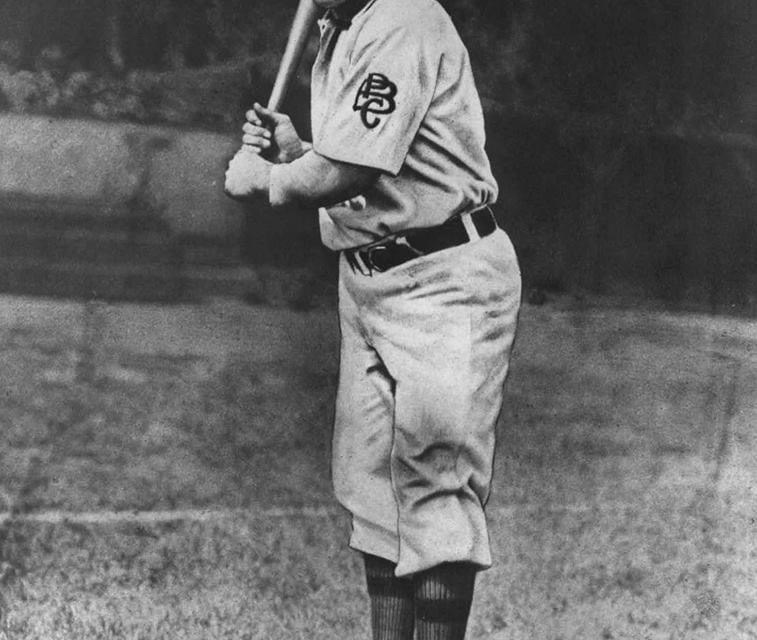 Pittsburgh PiratesshortstopHonus Wagner, at age 34, announces his retirement. An annual rite of spring, it will not keep him from playing in 151 games, more than in any of the past 10 years, and leading theNational Leagueinbatting average(for the sixth time),hits,total bases,doubles,triples,slugging,runs batted in, andstolen bases. He will miss theTriple Crownby hitting two fewerhome runsthanTim Jordan's 12.