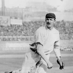New Yorktops theSuperbas, 6 - 3, for asweepof the five-game series with Brooklyn. The Giants score four in the 8th, including a long triple byChristy Mathewson, to put the game away.