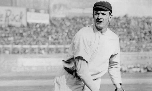 New Yorktops theSuperbas, 6 – 3, for asweepof the five-game series with Brooklyn. The Giants score four in the 8th, including a long triple byChristy Mathewson, to put the game away.