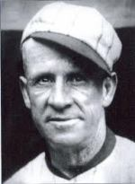 In the first trade under thepeace treaty, theNew York Giantssend their1902part-time managerHeinie Smithto theDetroit Tigersfor second basemanKid Gleason