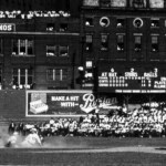TheChicago White Soxlose the second game of theWorld Series, 4 - 2, to theCincinnati Reds.Lefty Williams, one of eight Sox players involved in a Series-fixingscandal, walks three men in the fourth inning. After the game, he is confronted and attacked by Sox catcherRay Schalk.