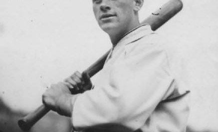 The Chicago Cubs obtain outfielder Jigger Statz and pitcher Vic Aldridge from the Los Angeles Angels of the Pacific Coast League for eight players and cash considerations.