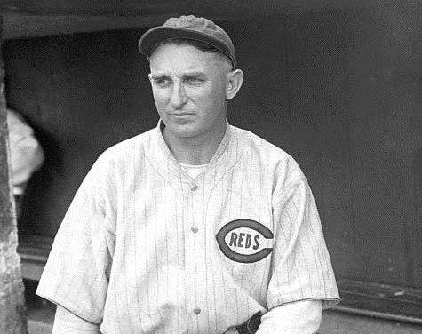 In the second twinbill whitewash in theNational Leaguein two weeks' theRedsshut out theCardinals' 5 – 0 and 9 – 0.Carl Mayssubmarines the Birds in the opener andRube Bentoncoasts in the nitecap.