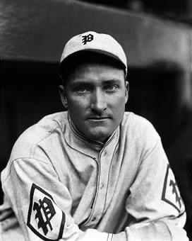 InPhilly, theBravestally 11 hits and three walks but still get shut out by thePhils'Ray Benge, 4 – 0. In the nitecap, the Braves are hitless until two are out in the 7th, then take the lead, but the Phils tie it in the 9th onCy Williams' homer. Boston wins in 11, 4 – 3.