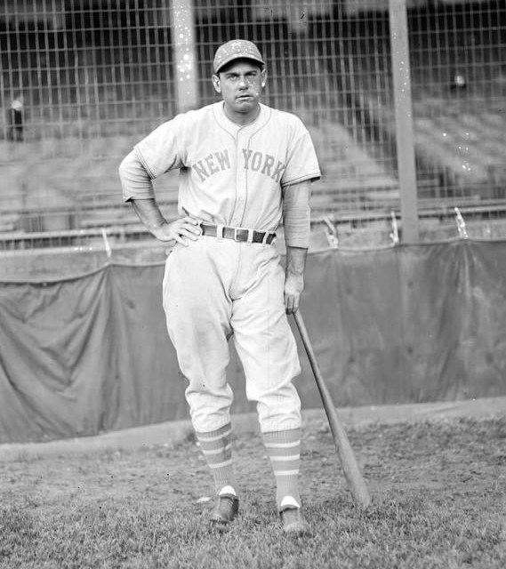 After losing 3 straight to theBraves' theGiantsmanage a sweep of Boston' winning 13 – 1 and 7 – 2. In the opener'Bill Terryhits a home run'Mel Ottadds 3 hits' and starterFred Fitzsimmonschips in with 2 hits. Third sackerFred Lindstromis knocked cold by a grounder off the bat of Boston'sBuster Chatham. The Giants are now tied for 2nd place with theCards.