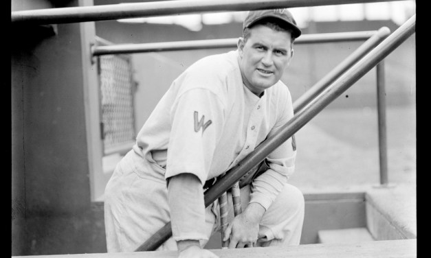 Boston Braves purchase catcher Shanty Hogan from the New York Giants