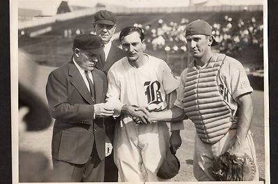 """Paul Waner reaches the 3,000-hit circle with a single against Truett """"Rip"""" Sewell"""